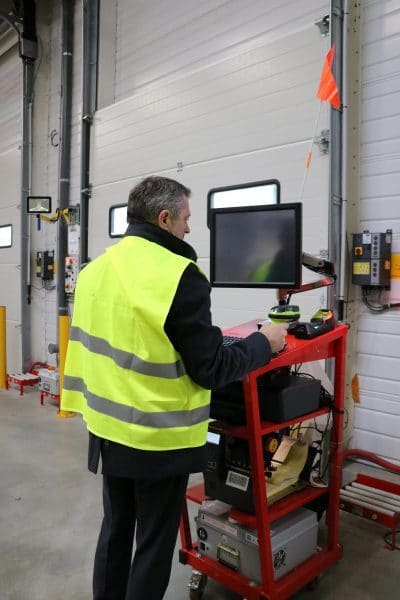 Gérer l'identification des produits au plus près des palettes avec un poste de travail mobile